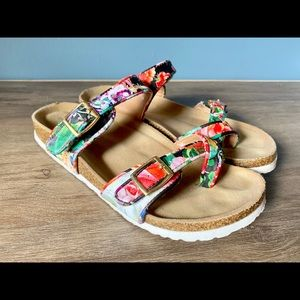 Mossimo Floral footbed Sandals size 6